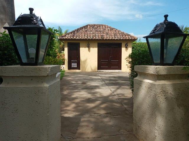 Real-Estate-Nicaragua-Managua-Casa-venta-Pool (103) - Copy