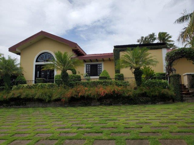 Real-Estate-Nicaragua-Managua-Casa-venta-Pool (281)