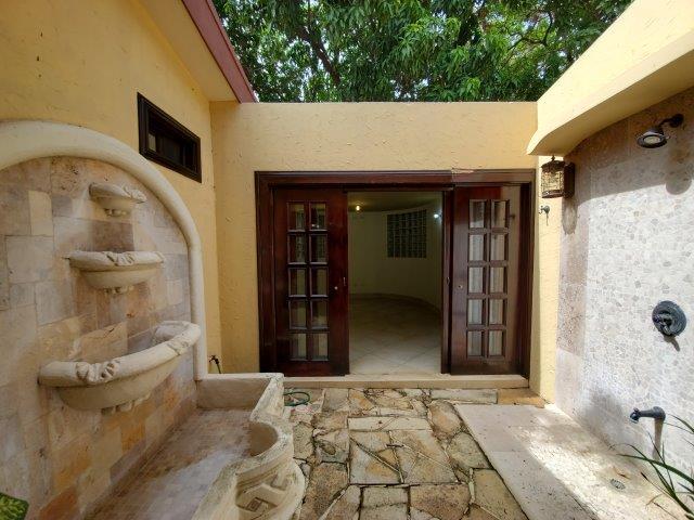 Real-Estate-Nicaragua-Managua-Casa-venta-Pool (71)