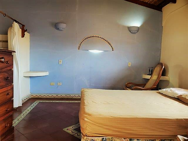 Se-vende-casa-colonial-granada-nicaragua (6)