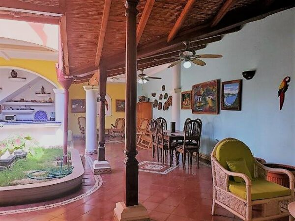 Se-vende-casa-colonial-granada-nicaragua (8)