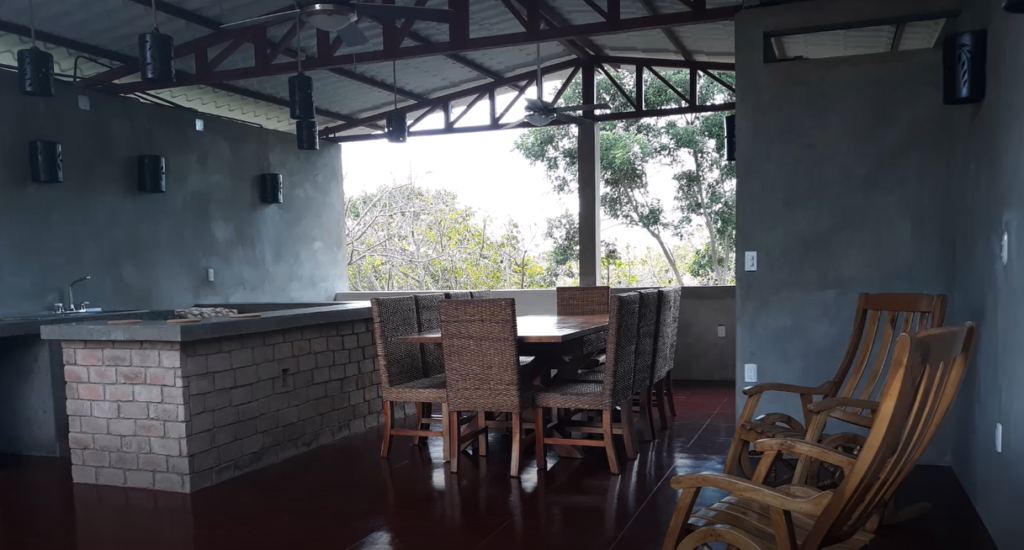 outdoor kitchen in Nicaragua