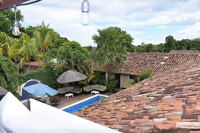 colonial-home-calle-la-calzada-granada-nicaragua (42)