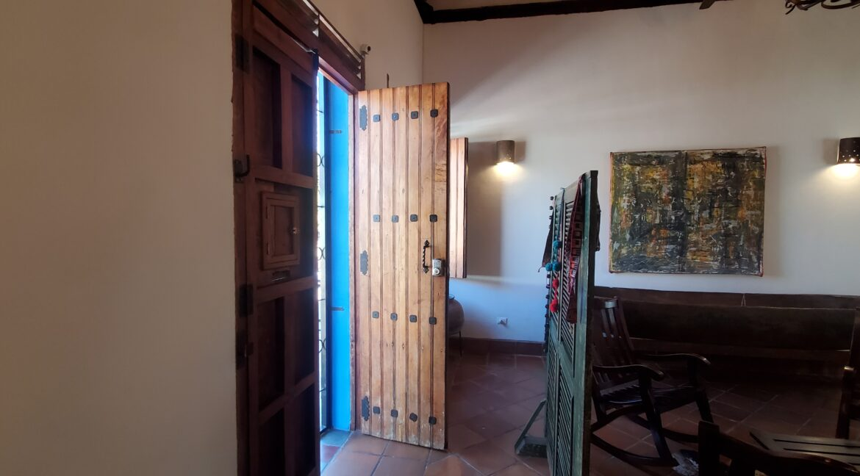 Granada + Nicaragua + Colonial Home + Pool + Vacation Home (32)