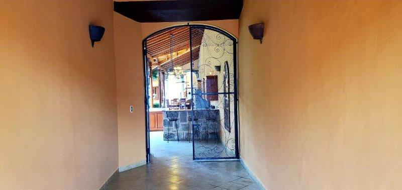 Granada Colonial home for sale (12)