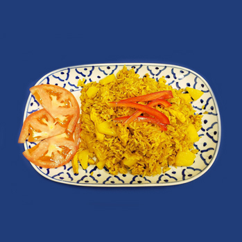 Fried rice with chicken, pineapple and curry powder