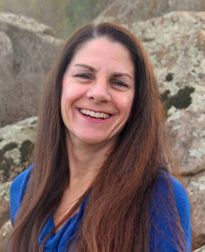 Lesley Dorfman, PhD, received her M.A. in Marriage and Family Therapy and continued on to complete a PhD in Clinical Psychology at United States International University in 1993 (now Alliant International University)