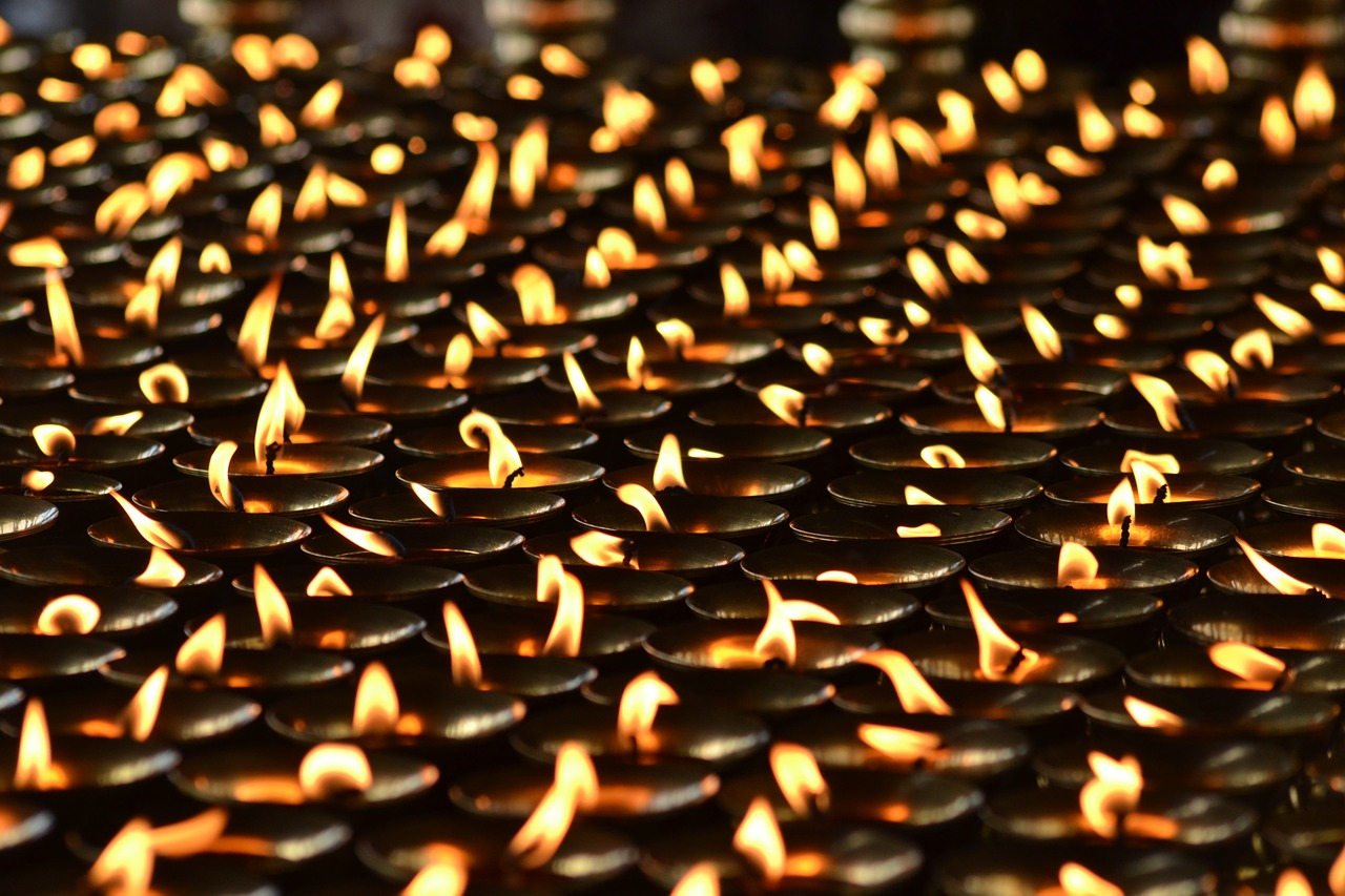 lamps, oil, many