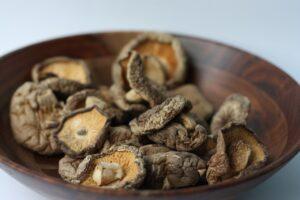 shiitake, dried, mushrooms