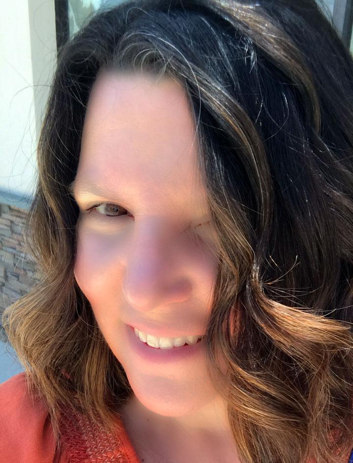 Lori Guerzini headshot