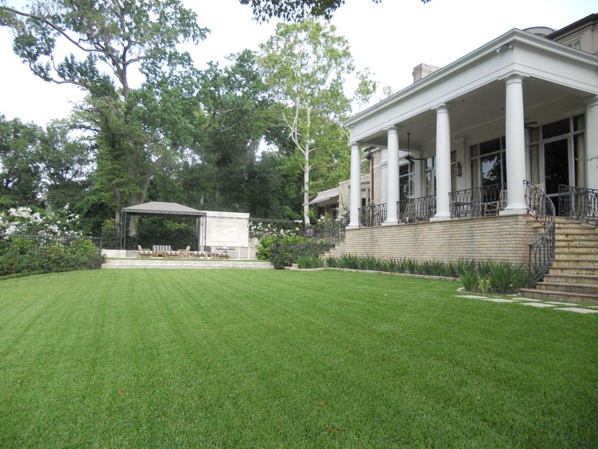 houston tellepsen garden bayou backyard