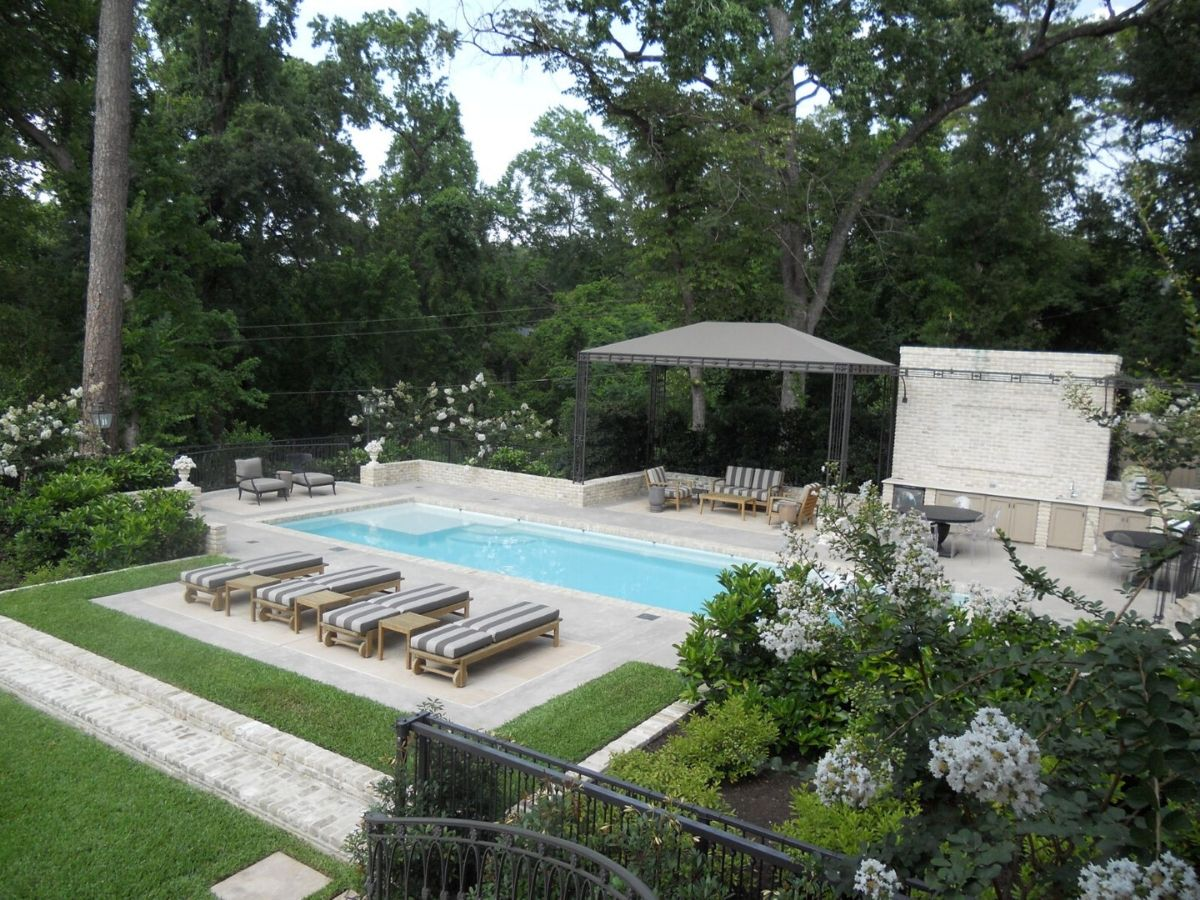 houston tellepsen garden bayou pool
