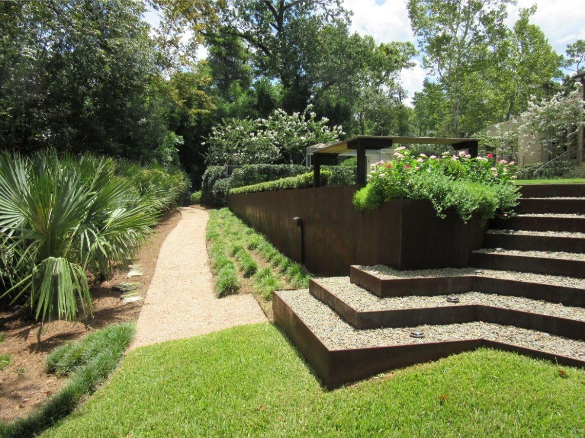 houston tellepsen garden bayou backyard walkway