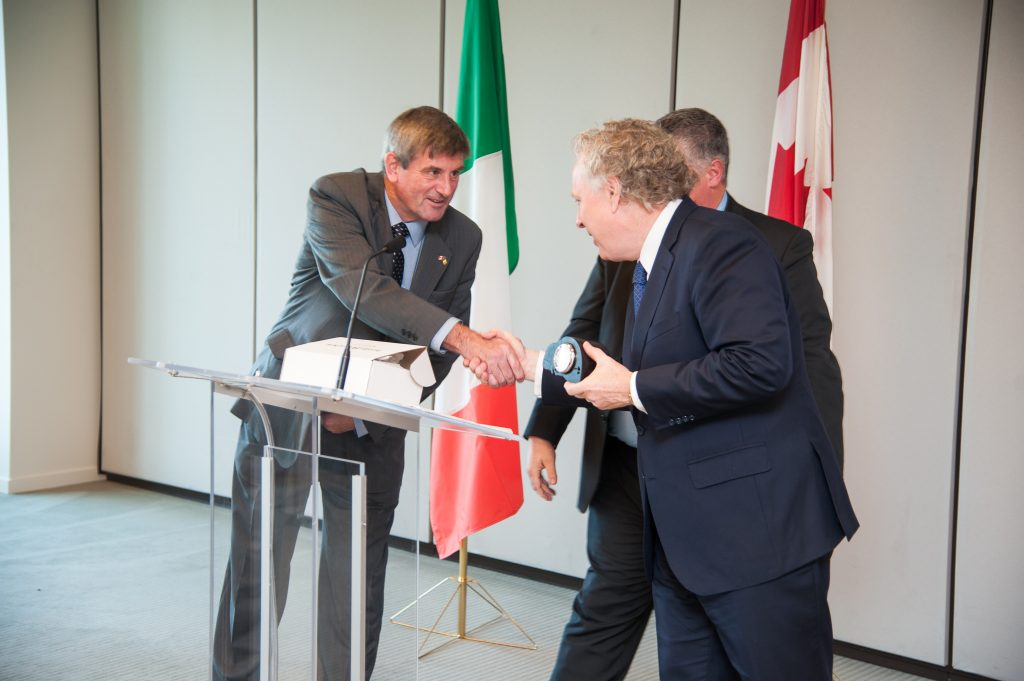 Vivian Doyle-Kelly shaking hands with Quebec Premier Jean Charest