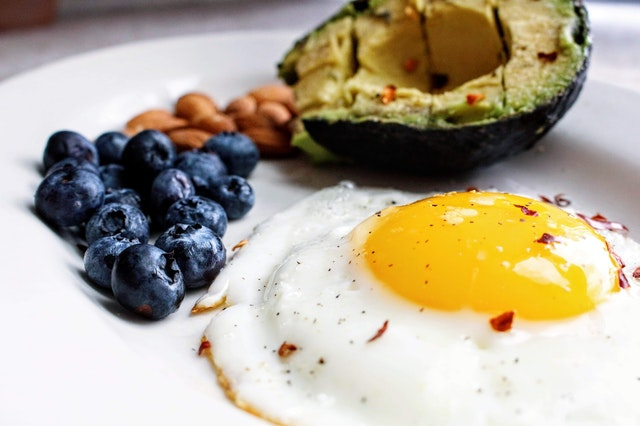 What Is More Effective: Intermittent Fasting or Keto?