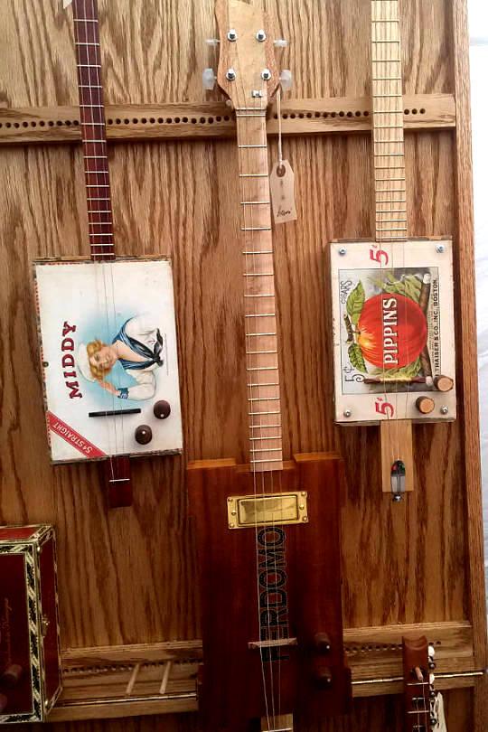 Axbox Guitars
