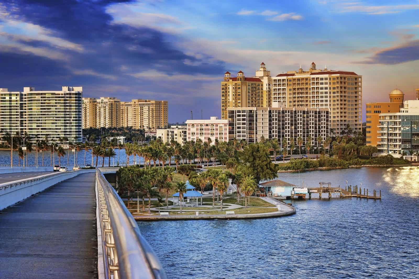 Green & Co. are the best Business Brokers in Florida. Specializing in the areas of Southwest, Central & West Central Florida, Serving Naples, Fort Myers, Sarasota, Bradenton, Tampa Bay, St.Petersburg, Orlando - Florida Business Broker - Businesses For Sale