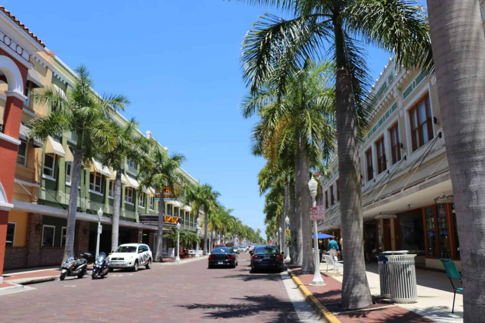 Green & Co. Business Brokers- Leading Business Broker in Southwest, Central & West Central Florida, Serving Naples, Fort Myers, Sarasota, Bradenton, Tampa Bay, St.Petersburg, Orlando... I Florida Business Broker I Businesses For Sale...