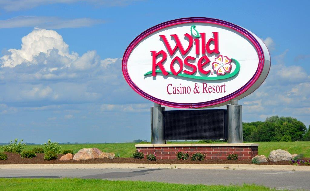 wild-rose-sign-2-emmetsburg