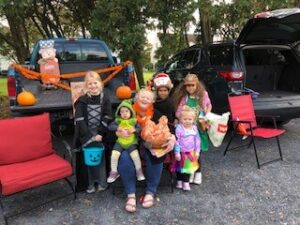 Woman and 5 children at Trunk or Treat