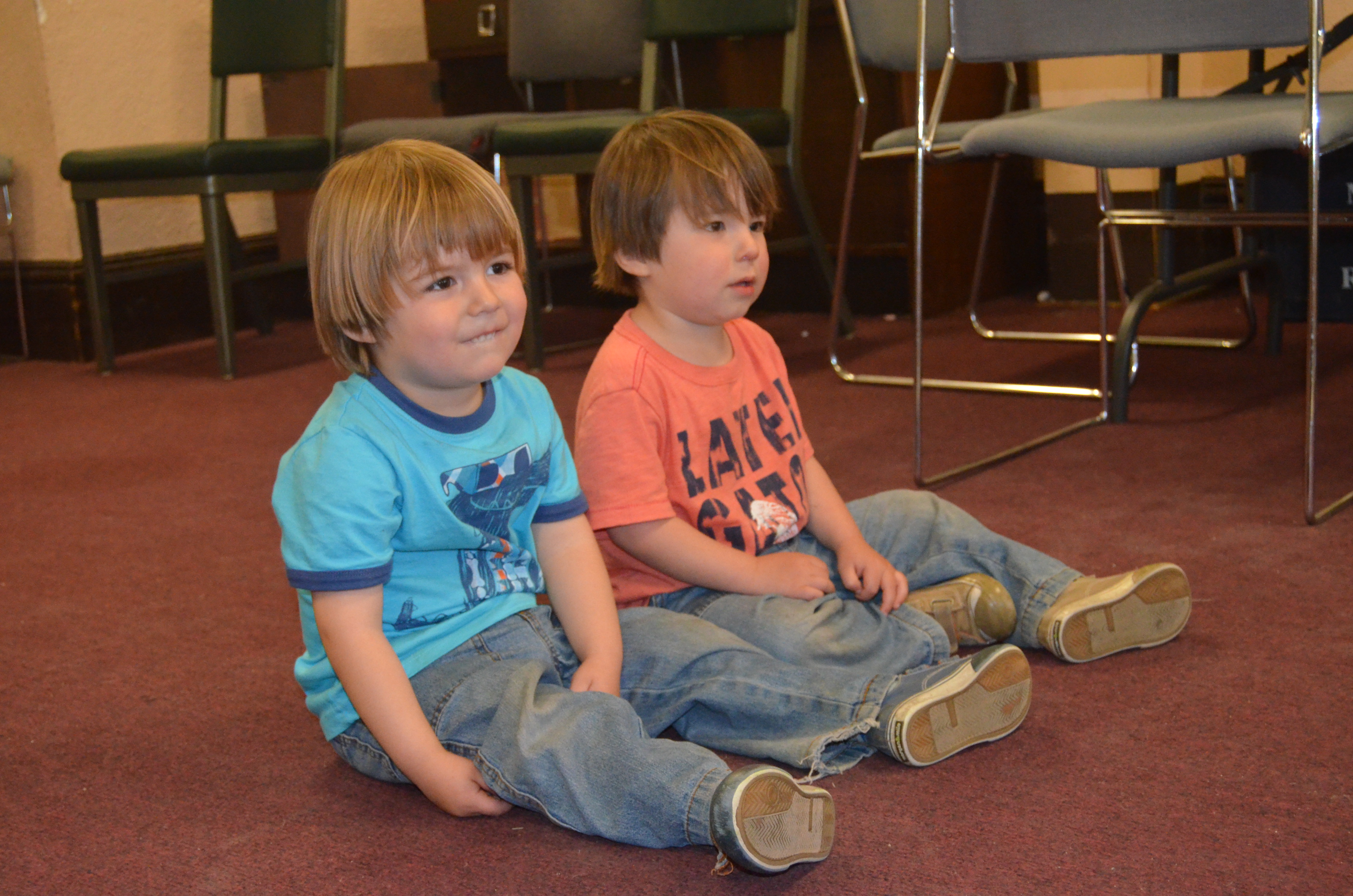 Raising Bilingual Kids – Hola-La