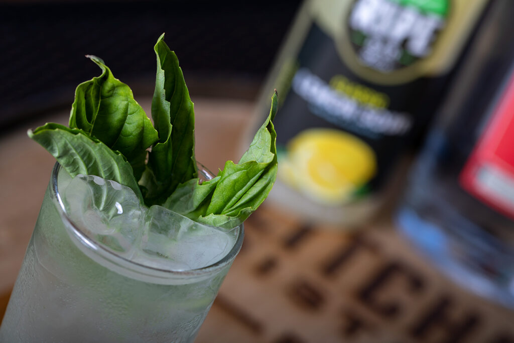 Mixology Spirit - Basil Lemonade Fizz