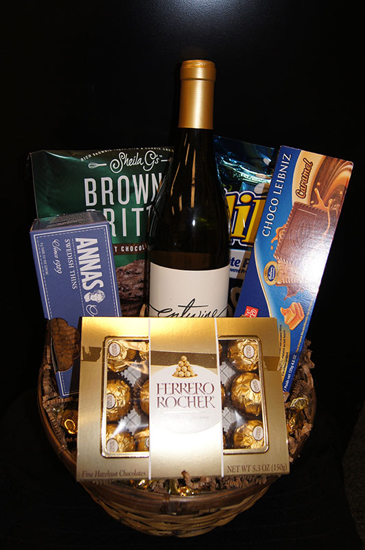 wine-sweets-basket