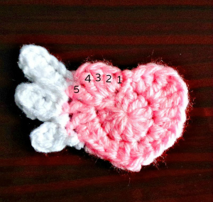 crochet winged heart free pattern
