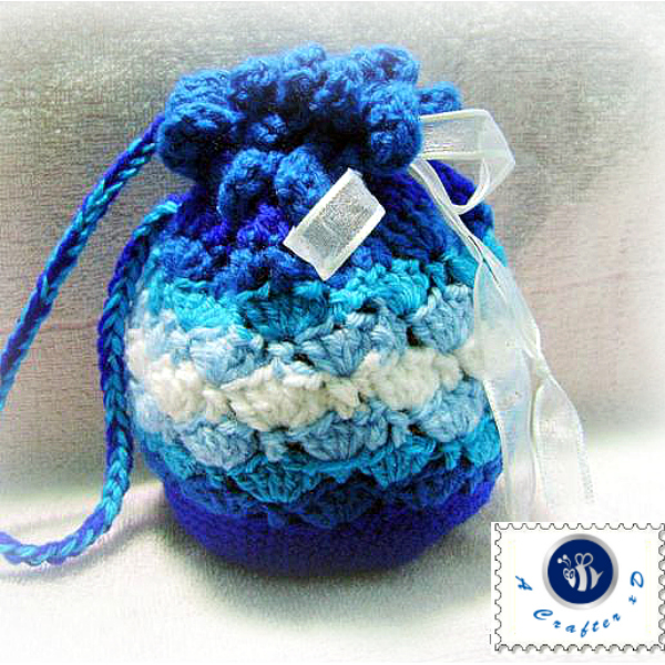 crochet blue waves pouch