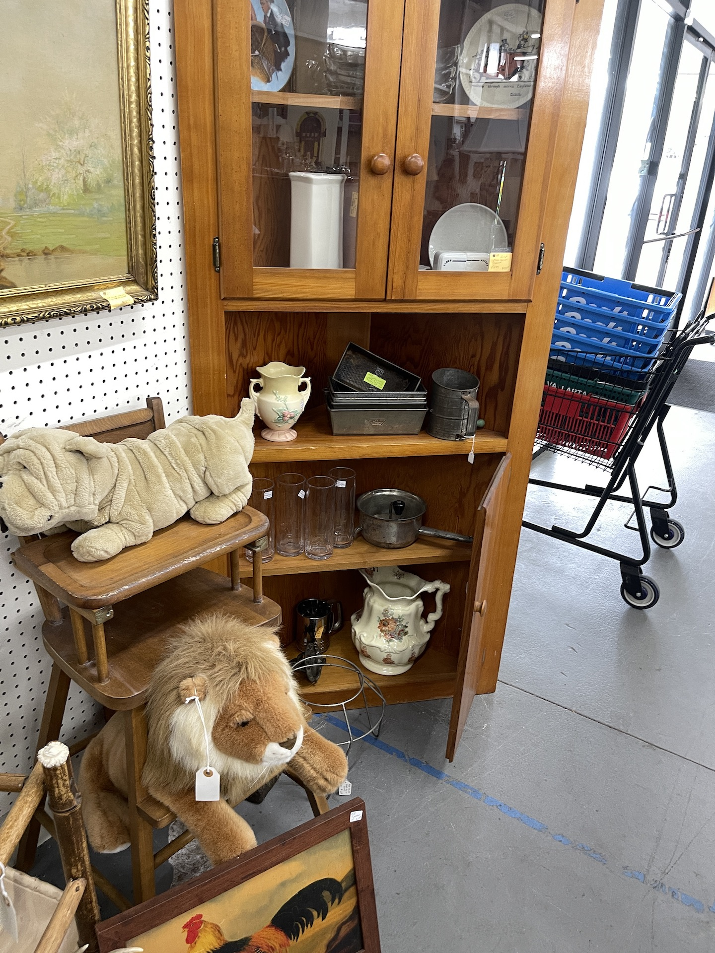 Booth-lion-and-dog