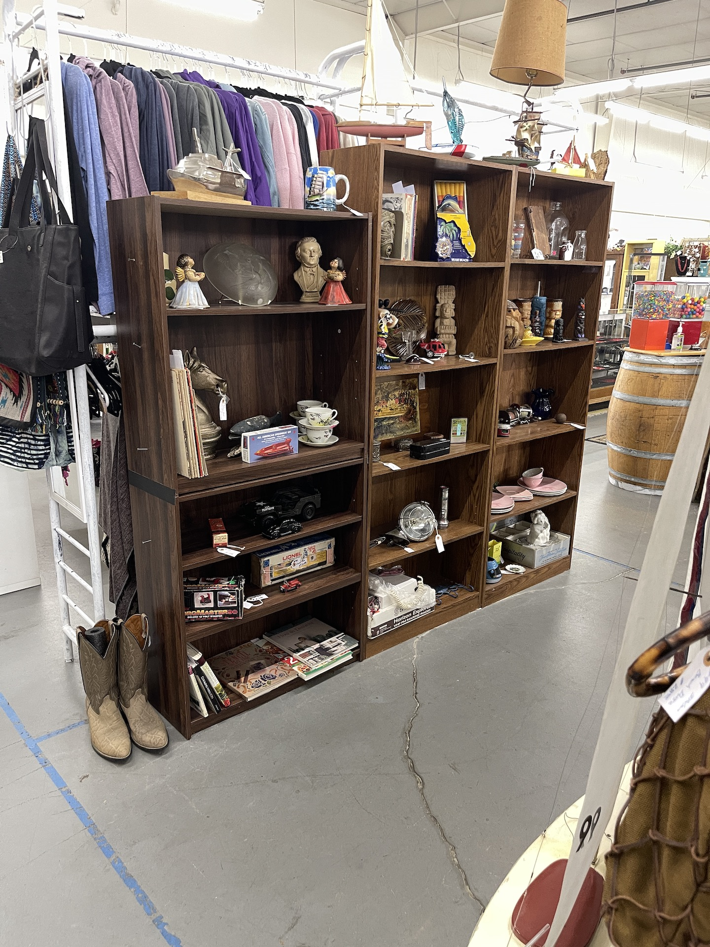 Booth-with-bookcase-and-boots