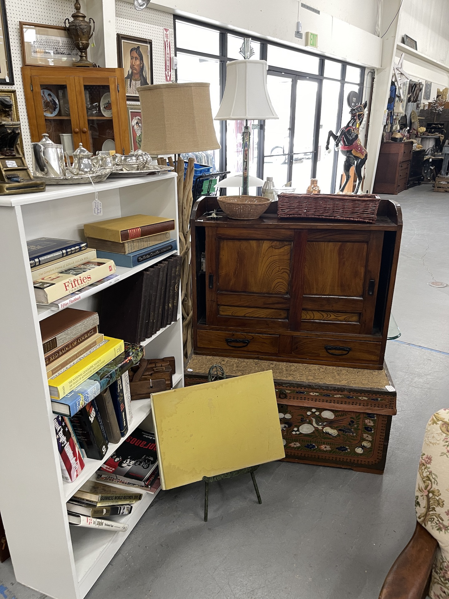 Booth-with-trunk