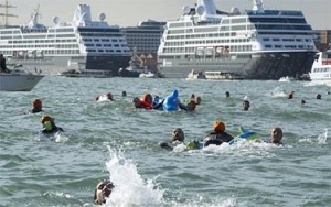 Protest agains Big Ships