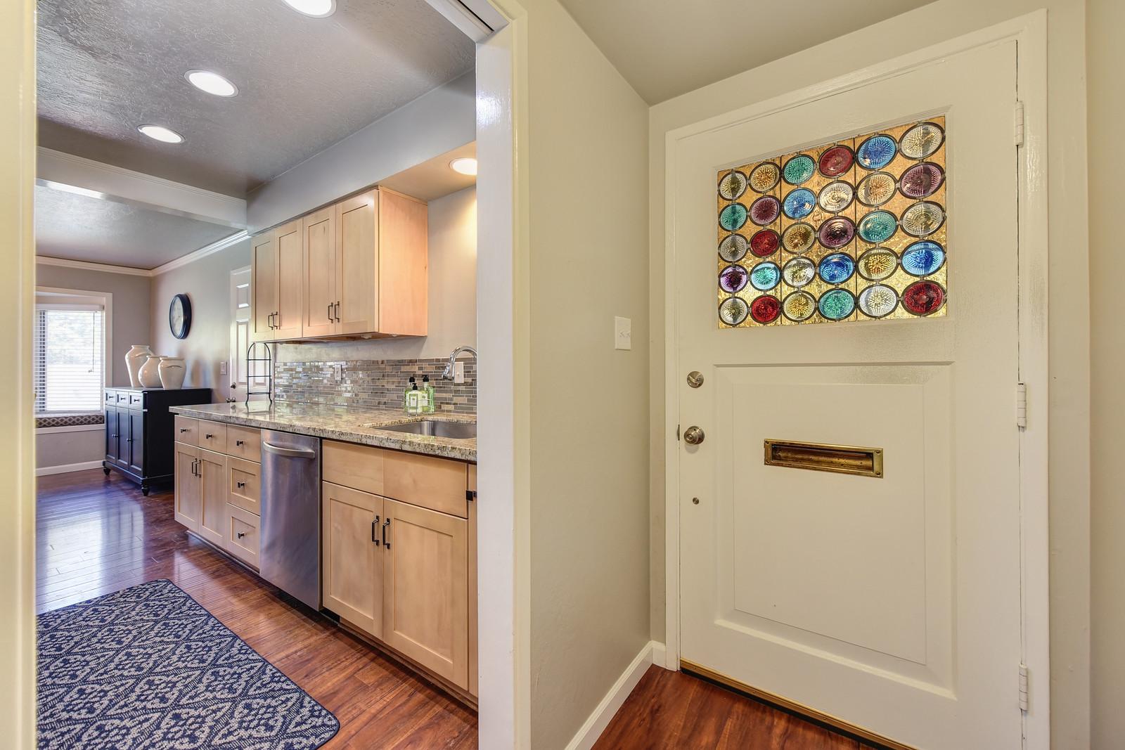 2208 Alegre Court Rancho Cordova CA 95670 ,Entry
