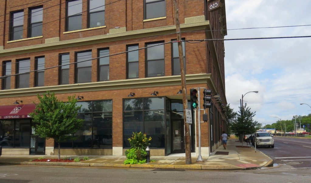 Nicki's Central West End Guide Food and Drink Health & Wellness Shop News  Lofts@Euclid Fields Foods Chris Goodson