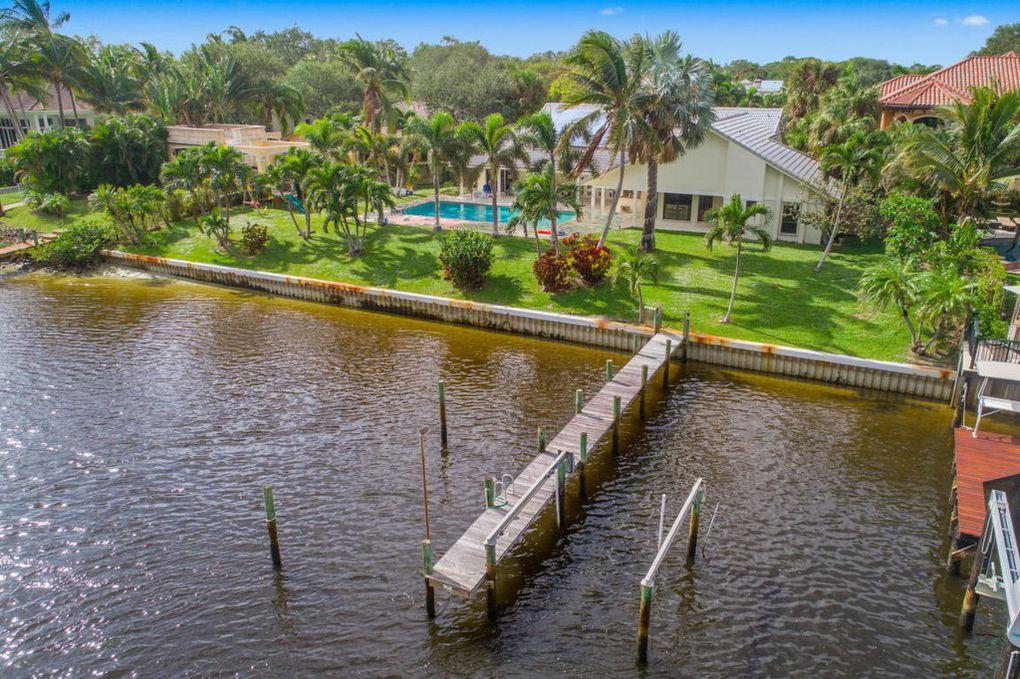 2299 Palm Harbor Dr