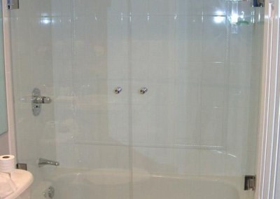 double tub glass doors