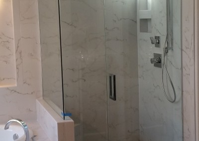 90 European shower with modern hardware