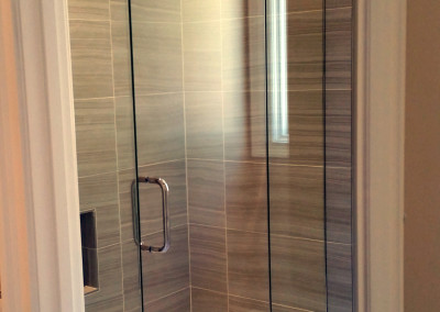 Frameless glass Tub