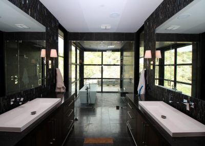 Soaking room with steam shower glass