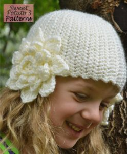 Read more about the article Flower Earflap Hat Pattern Release