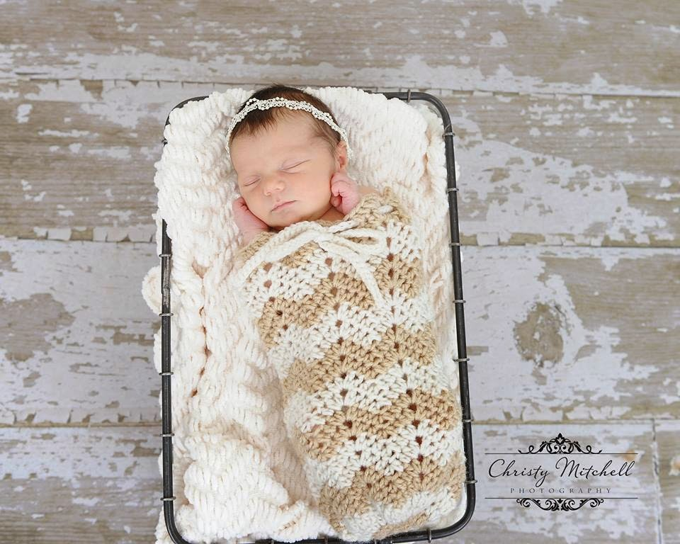 You are currently viewing Chevron Swaddle Pod – Photo Prop Pattern Release