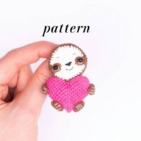 Mini Sloth Amigurumi for Brooch/Jewelry by Crochet Toy Basket
