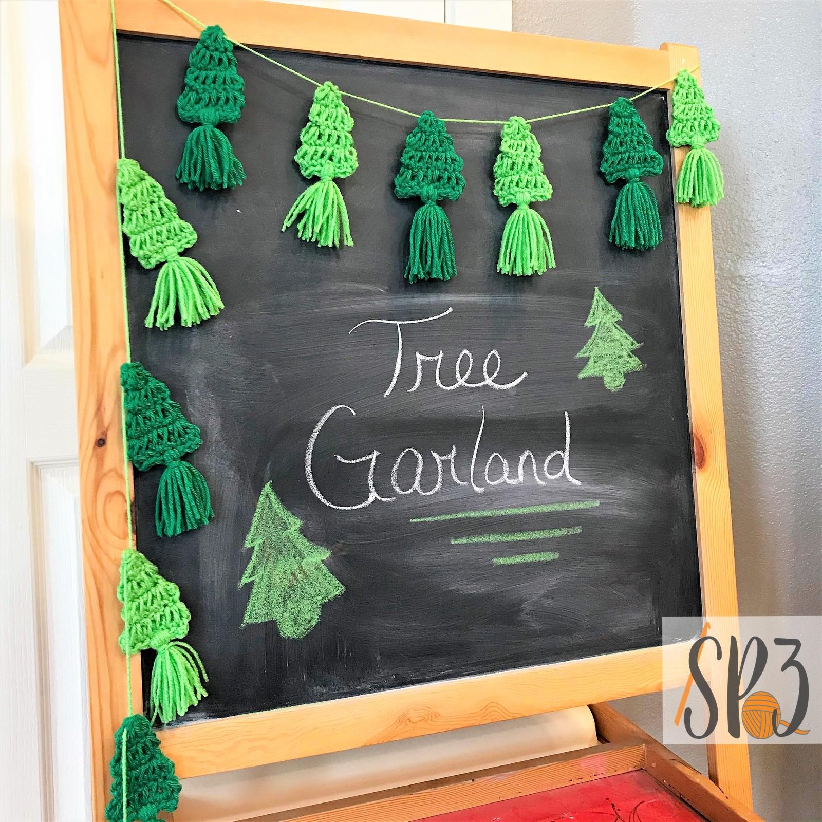 Tree Garland + Gift Tag FREE Crochet Pattern