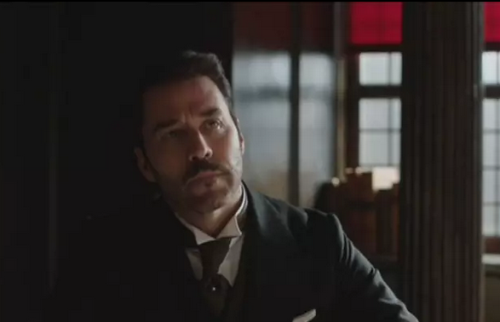 Jeremy Piven as Mr Selfridge