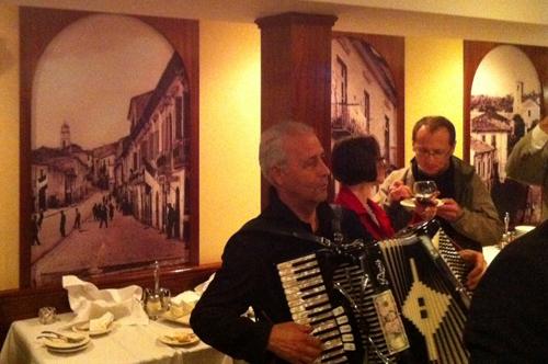 italian serenade wine tasting