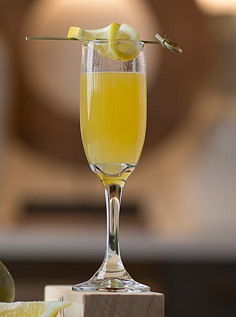 Mango Fizz cocktail