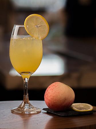 Peachy Monkey cocktail
