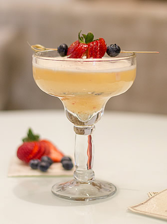 Monkey Berry Meringue cocktail
