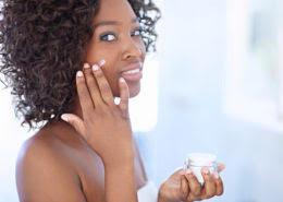 How to Prevent Dry Skin During Cold Winter Months